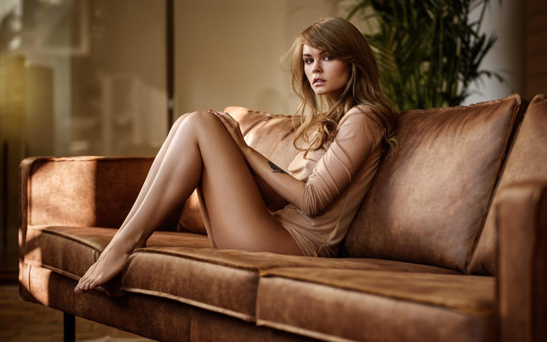 sarah Hyland naked photo s